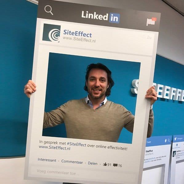 LinkedIn Frame Lookalike