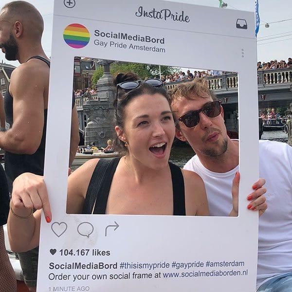 Insta frame Social Media Pride